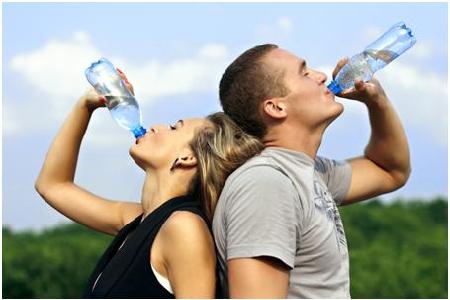 bệnh nhân trĩ cần bổ sung nhiều nước