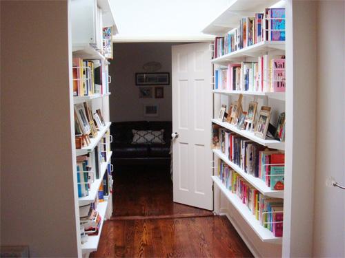 Sắp xếp tủ sách cho nhà thêm xinh 6