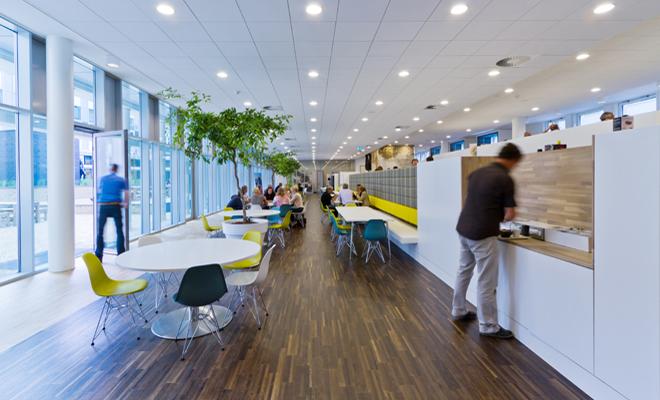 Những văn phòng tuyệt đẹp chứa đủ quán cà phê, nhà hàng