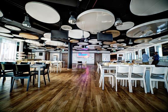 Những văn phòng tuyệt đẹp chứa đủ quán cà phê, nhà hàng 5