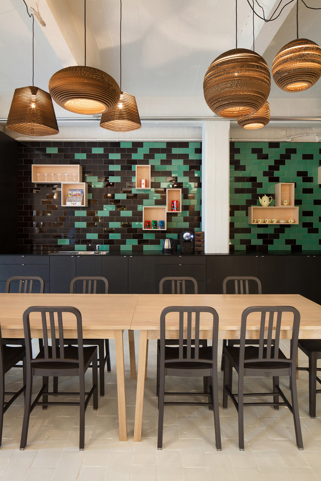 Những văn phòng tuyệt đẹp chứa đủ quán cà phê, nhà hàng 11