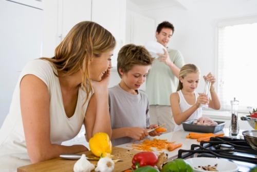 Ngôi nhà chưa thực sự trở thành tổ ấm nếu ở đây không có nấu nướng. Ảnh: natalykyriakidou.com