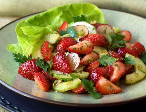 cách làm salad dâu tây