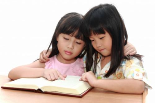 Nếu muốn hạnh phúc, hãy sinh 2 con gái - Ảnh 1