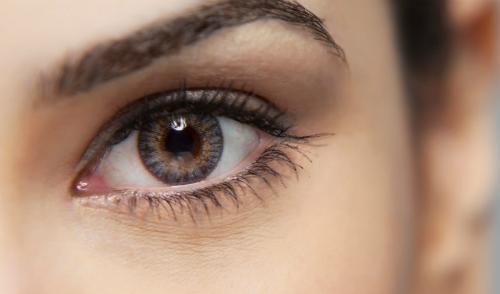 Cách giữ đôi mắt khỏe mạnh khi làm việc