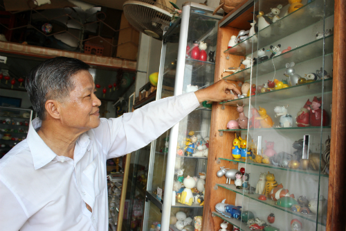 Đầu năm 2010, ông được Trung tâm sách Kỷ lục Việt Nam trao Bằng chứng nhận Xác lập kỷ lục là người tạo hình