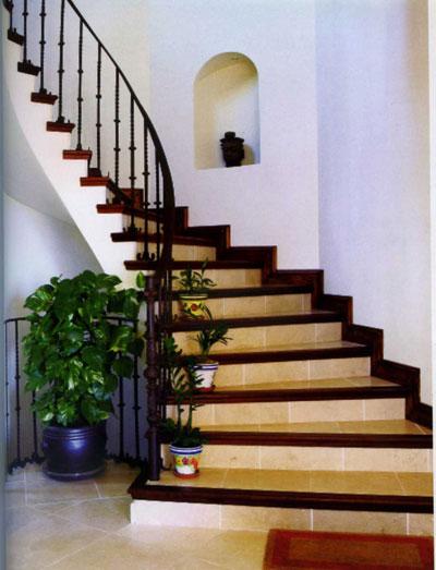 Bạn có thể Cầu thang có thể chọn lang cang sắt, bậc cầu thang có thể ốp gạch, mũi bậc có thể làm bằng đá, gổ