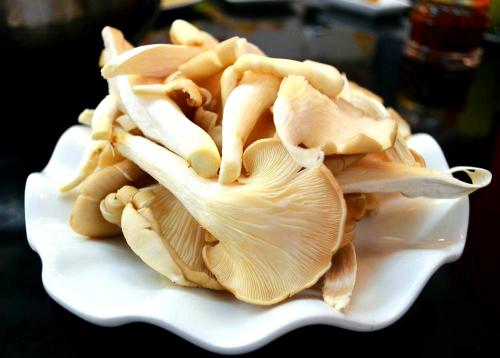Nấm bào ngư có vị ngọt và thơm. Ảnh: Hồng Diễm