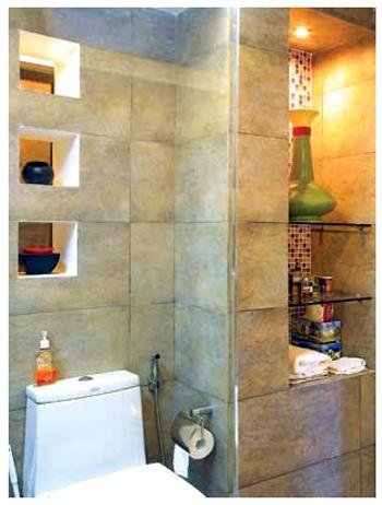 Khỏa lấp những hốc tường lớn bạn có thể vận dụng để làm tu, kệ để đồ dùng gia đình là điều tuyệt vời nhất.
