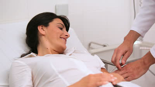 Suy nghĩ tích cực có thể làm giảm đau trong cơ thể đến 60%. Ảnh: picdn
