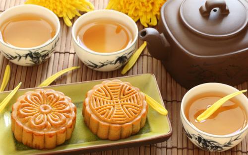moon-cake-and-tea-2560x1600-4950-1408671