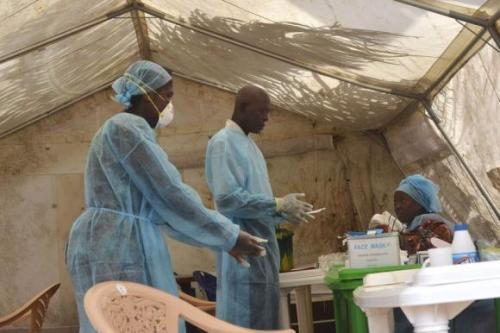 Ebola đang lây lan nhanh chóng tại Tây Phi vượt quá khả năng kiểm soát của nhà chức trách địa phương. Ảnh: uk.reuters.com