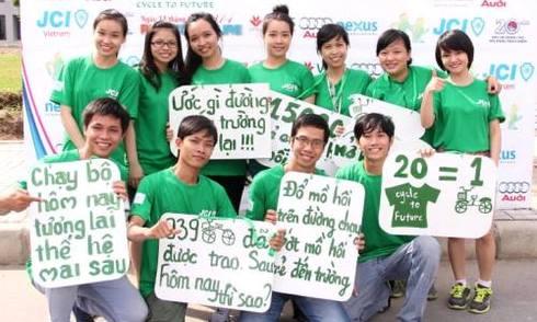 3.000 người chạy bộ gây quỹ vì học sinh nghèo