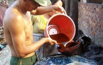 Scandal dầu ăn bẩn liên tiếp bị phanh phui