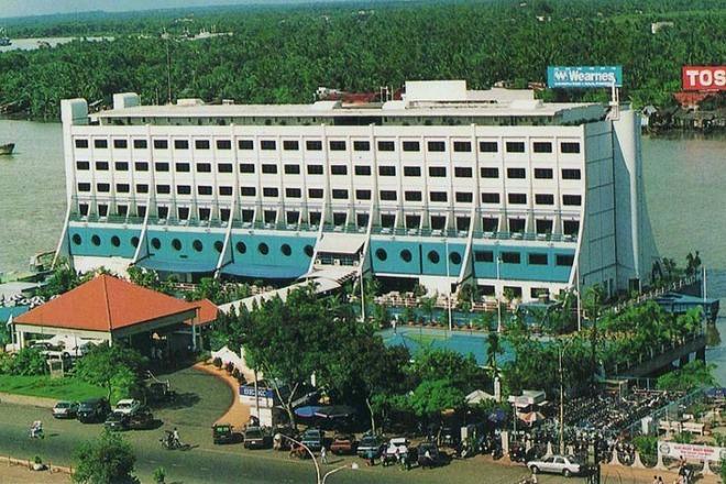 Số phận khách sạn nổi 5 sao biểu tượng Sài Gòn một thời