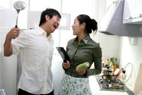 Tình huống dễ làm vợ tổn thương chồng nên tránh