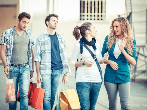 Sự khác biệt bẩm sinh giữa phụ nữ và đàn ông khi tiêu tiền