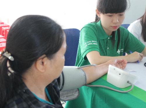 Tăng huyết áp là yếu tố quan trọng nhất gây xuất huyết não làm tăng nguy cơ đột quỵ 4-6 lần. Ảnh minh họa: Lê Phương.