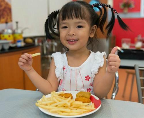 fast-food-kids-537x442-7971-1415074373.j