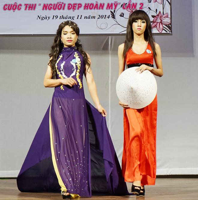 Hoa khôi chuyển giới Sài Gòn diện áo dài đọ dáng