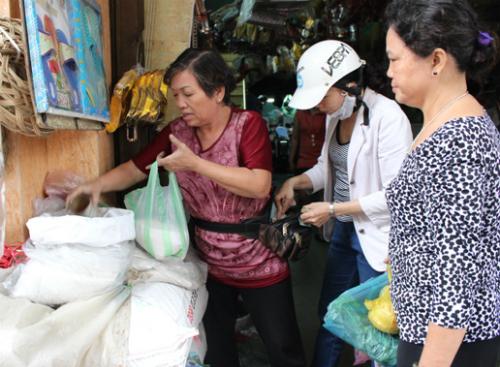 Người Việt Nam lạc quan về triển vọng phát triển kinh tế. Ảnh minh họa: Lê Phương.