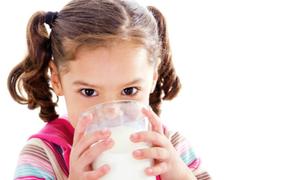 Trẻ em có thực sự cần uống sữa?