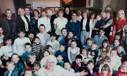 Cụ bà có 150 con cháu sau khi bị chẩn đoán vô sinh