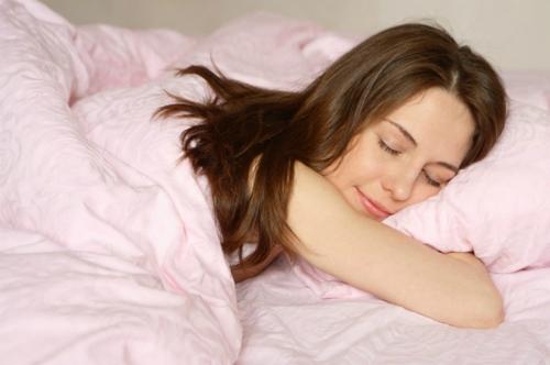 Mỗi độ tuổi có một mức khuyến nghị về thời lượng ngủ khác nhau. Ảnh: sheknows