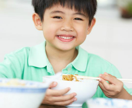 boy-eating_1425522429.jpg
