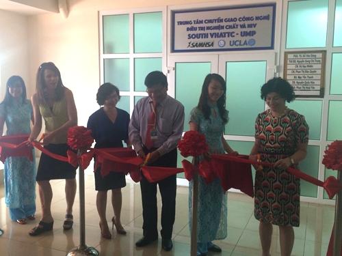 Trung tâm chuyển giao công nghệ điều trị nghiện chất và HIV đầu tiên khu vực phía Nam đặt tại tầng 15, ĐH Y dược TP HCM. Ảnh: Lê Phương.