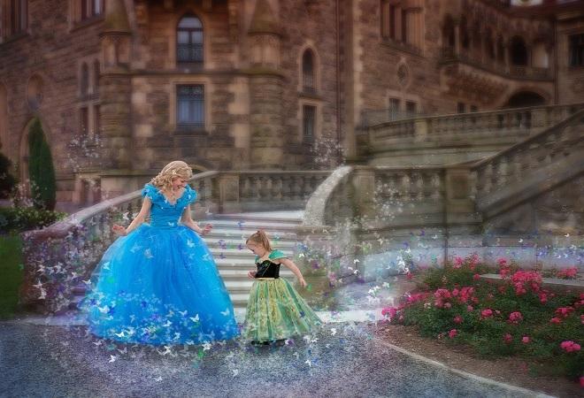 Bé gái bệnh Down hóa công chúa qua ống kính người mẹ