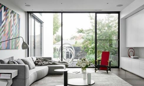 Ngôi nhà mang vẻ đẹp hiện đại giữa vườn cây xanh