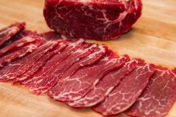 Bí quyết thái thịt bò mỏng như giấy