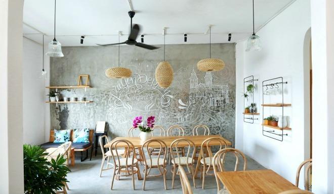 Quán cà phê chung cư ngắm Sài Gòn từ trên cao