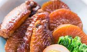 Đậm đà cánh gà kho củ cải