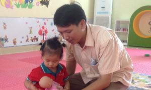 Nhật ký ngày đầu đi lớp của con gái 2 tuổi