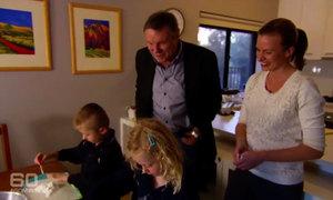 Cặp vợ chồng cấm con làm bài tập về nhà