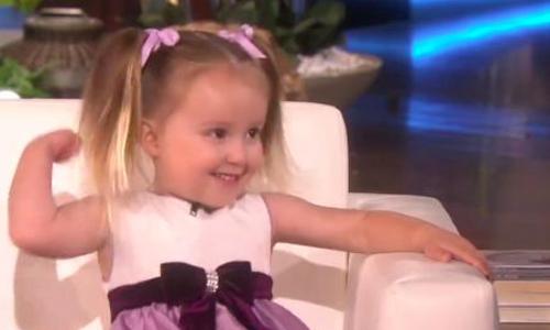 Cô bé 3 tuổi có trí thông minh siêu phàm