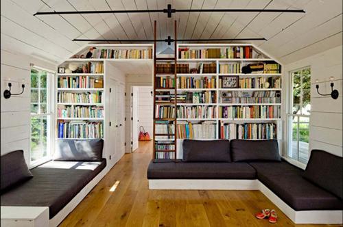 Ngôi nhà 50 m2 sang trọng sử dụng chủ yếu các loại vật liệu không đắt tiền nhưng bền vững, không gây hại cho môi trường.