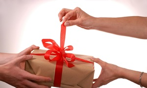 Anh chồng giả vờ trúng thưởng để mua quà tặng vợ ngày cuối năm