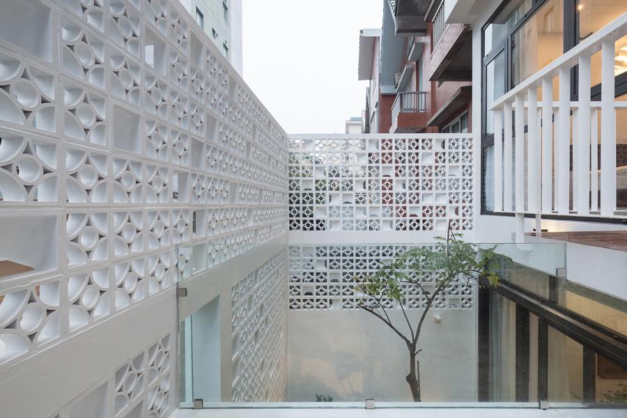 Ngôi nhà 'tổ kén' ở Hà Nội thoáng mà vẫn kín đáo