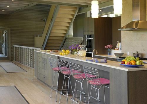 Biến gầm cầu thang thành bếp ăn