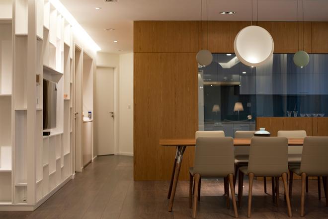 Gộp 2 căn hộ thành nơi ở sang trọng 250 m2 ở Hà Nội
