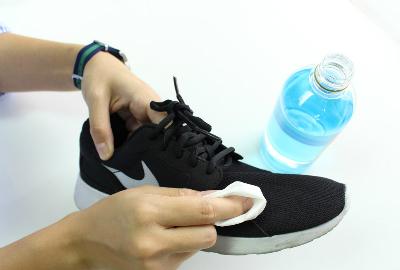 1 1376 1463481262 - Cách đơn giản khử mùi hôi chân khi đi giày