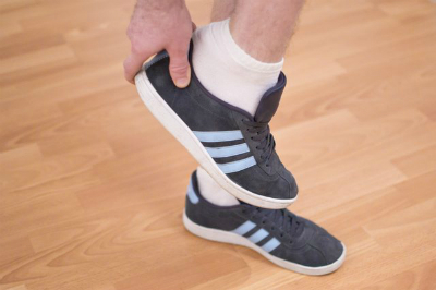 1 6999 1463481262 - Cách đơn giản khử mùi hôi chân khi đi giày