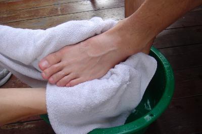 DSC02865 JPG 7100 1463481262 - Cách đơn giản khử mùi hôi chân khi đi giày