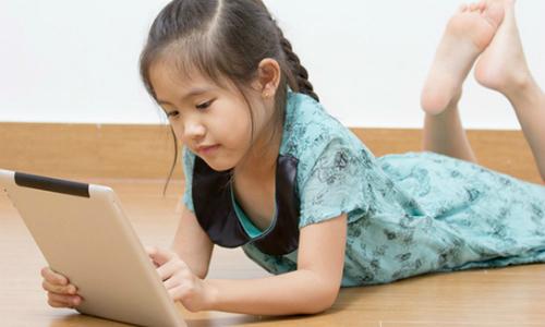 Bà mẹ sốc khi biết con 8 tuổi xem phim sex trên iPad