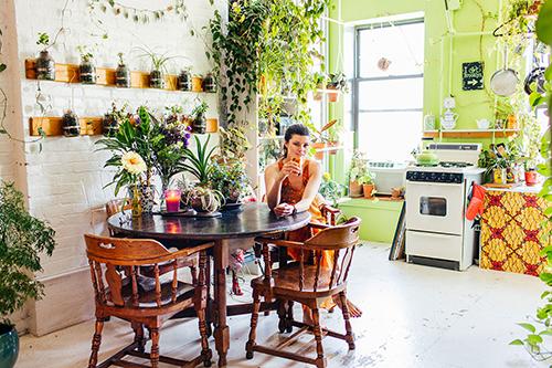 Cô gái Mỹ xinh đẹp biến căn hộ của mình thành