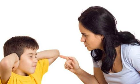Bố mẹ nghiêm khắc dễ biến con thành kẻ nói dối