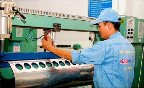 Pin năng lượng mặt trời, máy nước nóng năng lượng mặt trời do Công ty Mặt trời Bách Khoa (SolarBK) tự sản xuất và phân phối.
